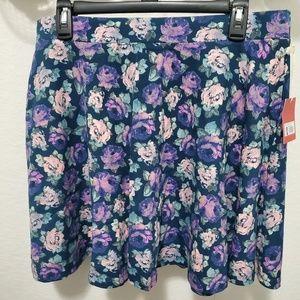 NWT- Flower skater skirt